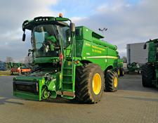 John Deere S685 - Available after season
