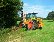 Sonstige HEDGECUTTER TO HIRE