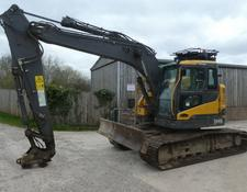 Volvo 145dl tracked digger year 2015 done 7707 hours